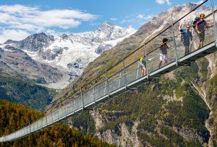 An alternative to ski lifts. Zermatt Suspension Bridge, Switzerland. Valentin Flauraud.